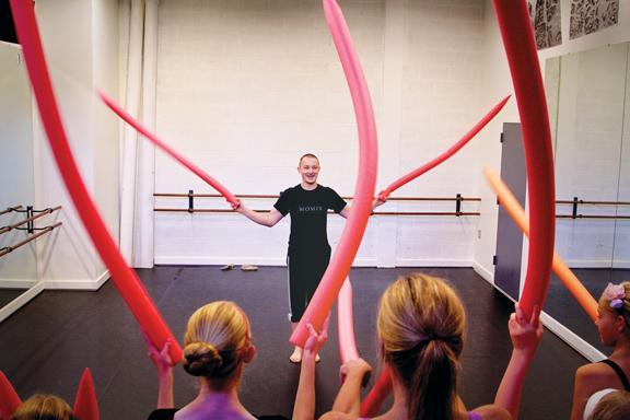 Momix Master Class at Embassy Theatre